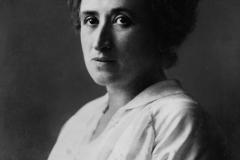 Rosa Luxemburgo em 1907, ano em que começa a lecionar na escola de quadros do SPD.