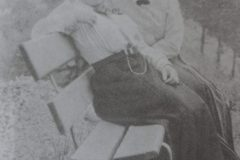 Luise Kautsky (à direita) (1864-1944): mulher de Karl Kautsky.