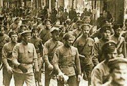 Foto: Soldados bolcheviques em Moscou, em1917 / Editora Dietz – Fundação Rosa Rosa